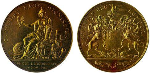 Imagen de la Medalla Copley que ganó Dmitri I. Mendeleev en 1905. Fotografía de Serge Lachinov.