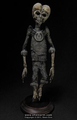 Tal y como dijo Luis Alfonso Gámez en el último capítulo de la segunda temporada de Órbita Laika: describimos a los extraterrestres a nuestra imagen. http://www.rtve.es/alacarta/videos/orbita-laika/orbita-laika-12-archivo-del-misterio/3315778/ ¿Si existieran, por qué tendrían que parecerse a nosotros? Imagen de Shain Erin. https://www.flickr.com/photos/shainerin/6169955414/