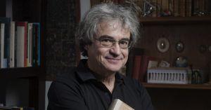 Fotografía del autor, el físico Carlo Rovelli, sacada de la web de la radio kmuw. http://kmuw.org/post/marginalia-carlo-rovelli